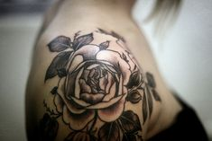 tattoo rose shoulder, I'm really starting to love the look of a shoulder tattoo :)