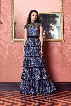 Alice + Olivia Fall 2017 Ready-to-Wear Fashion Show Collection Casual Day Dresses, Nice Dresses, Summer Dresses, Stunning Dresses, Beautiful Gowns, Alice Olivia, Ellie Saab, Fashion Show Collection, Fashion Week