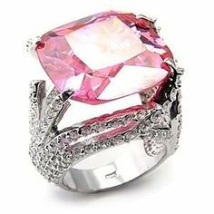 What is diamond color? It's part of the of diamond education and it's talking about the lack of color in a diamond. Here you'll discover what you need to know about diamond color, as well as, myths, tricks to watch out for, and money saving tips. Pink Jewelry, I Love Jewelry, Jewlery, Jewelry Rings, Jewelry Accessories, Unique Jewelry, Bling Bling, Love Ring, Diamond Are A Girls Best Friend