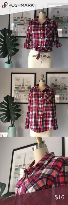 Vanilla Star•Plaid Flannel Great colors & super soft flannel. Can be styled in so many different ways. Juniors size Large, shown unpinned on my size 4/6 dressform. Excellent preowned condition. Vanilla Star Tops Button Down Shirts