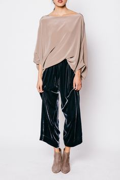 omg, velvet pants!? i want to wear everyday.