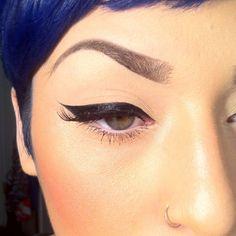 Beatiful Winged Eyeliner: Instagram photo by @missrachellev
