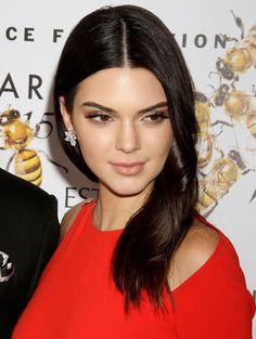 Kendall Jenner - 2015 Fragrance Foundation Awards : Global Celebrtities (F) FunFunky.com