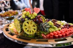 A Glamorous & Romantic Modern Jewish Wedding in Montreal  Pinterest • The world's catalog of ideas Wedding Reception Appetizers, Mini Burgers, Food Truck, Fruit Salad, Acai Bowl, Catering, Breakfast, Montreal, Catalog