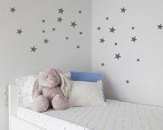 Decoracion infantil pared vinilos estrellas gris