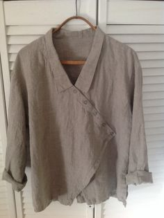 Discover thousands of images about HEBBEDING - Linen jacket with decorative lacing - navabi Mode Plus, Cool Outfits, Fashion Outfits, Diy Couture, Creation Couture, Linen Blouse, Linen Dresses, Sewing Clothes, Cotton Linen