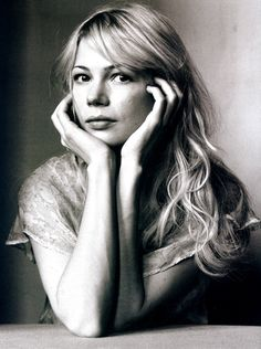 Michelle Williams makes me feel like I shouldn't fear being alone.  She's amazing!