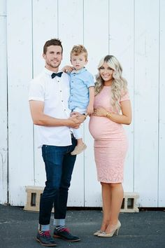 The cutest family maternity pics! Lots of adorable poses.