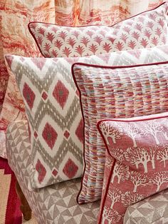 Fabrics from the Eden Collection by Jane Churchill Contact Dible and Roy for a wide selection of beautiful Jane Churchill fabrics, complete custom making service offered 01225 862320 Scatter Cushions, Throw Pillows, Red Cushions, Country Style Curtains, Fabric Combinations, Boho Bedding, Gorgeous Fabrics, Churchill, Soft Furnishings