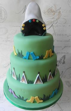 Here is a #glastonbury themed #wedding cake I made for a couple who first met at Glastonbury.