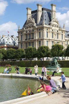 Tuileries Gardens Paris | day Paris City Guide