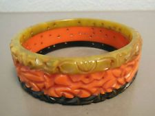 Vtg TRI-COLORED BEAUTIFULLY CARVED BAKELITE BRACELET - Simichrome Tested!