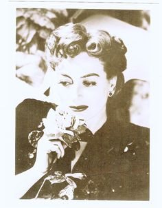 Joan Crawford Autographed Photo- Hollywood Legend ! very Collectible W/C.O.A $125.00
