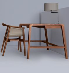 """Schreibtisch """"Secret"""" von ZEITRAUM aus Nussholz behält alles für sich...nur die Arbeit nicht, denn die geht hier leicht von der Hand. Bei uns zu entdecken!"""