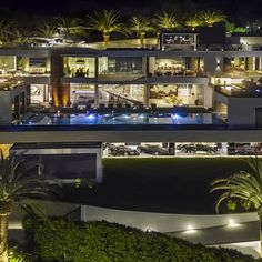 The Bel-Air mansion built on speculation stands four stories tall with a bowling alley, an auto lounge, three kitchens and an swimming pool. Bel Air Mansion, Dream Mansion, Luxury Home Decor, Luxury Homes, Luxury Interior, Interior Design, Bel Air House, Bel Air Road, Modern Mansion