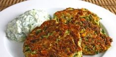 greek style zucchini fritters with tzatziki. Not sure what tzatziki is, but zucchini is healthy. Vegetable Dishes, Vegetable Recipes, Vegetarian Recipes, Healthy Recipes, Vegetarian Dish, Snacks Recipes, Party Recipes, Recipes Dinner, Salad Recipes