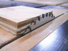 Veneer Storage Box / Boîte de rangement pour placage