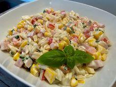 Najlepsze przepisy na sałatki! - Blog z apetytem Chicken Salad, Pasta Salad, My Favorite Food, Favorite Recipes, Vegetable Salad, Tortellini, Food And Drink, Vegetables, Cooking