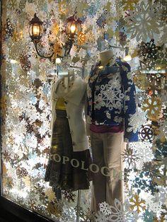 Backlit paper snowflakes are stunning. backlit paper snowflakes are stunning store front windows, retail windows, winter window display, Visual Merchandising Displays, Visual Display, Display Design, Store Design, Display Ideas, Anthropologie Display, Anthropologie Christmas, Store Front Windows, Retail Windows