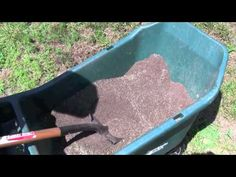 How to Plant Grass Seed With Video.worth a shot since I too have sandy soil.definitely trying this! Porch Plants, Landscaping Plants, Landscaping Ideas, St Augustine Grass, No Grass Backyard, Backyard Ideas, Garden Ideas, Planting Grass, Planting Seeds