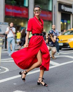 Giovanna Engelbert wearing a red dress outside Victoria Beckham on September 2016 in New York City. (Photo by Christian Vierig/Getty Images) Fall Outfits, Fashion Outfits, Womens Fashion, Style Fashion, Fast Fashion, Curvy Fashion, Fashion Weeks, Fashion Advice, Ladies Fashion