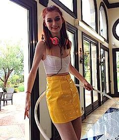 Nina Burns Hula Hoops on America's Next Top Model | hooping.org