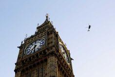 Poster & Download: Big Ben Helicopter Architektur Gebäude Uhr Turm Kategorien: landschaften, big, ben, helicopter, architecture, building, clock, tower, landmark, london, europe, destination, famous, flight
