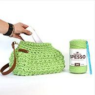 Bolsa de Crochê Spesso 500g por Sandra Brum Eye Pattern, Bucket Bag, Straw Bag, Crafting Recipes, Crochet Sachet, Appliques, Crochet Dolls, Eye Chart