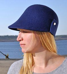 Cap, Filz Kappe, unusual Cap, stylisch, Designermode, Fashion,felt,blau, klassisch,puristisch,zeitlos,Winter, Hand gearbeitet,Women Hut,Reve