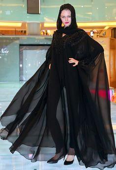 عبايات Si Noir : معنى جديد للعصرية - Nawa3em - صور