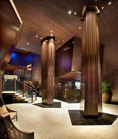 Luxury Resort Omphoy-Hotel-lobby in Palm Beach, Florida - hotels Homepage Lounge Design, Design Hotel, Lobby Design, Columns Decor, Interior Columns, Lobby Interior, Interior Architecture, Palm Beach Florida, Commercial Design