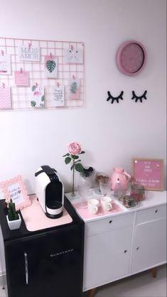 Home Beauty Salon, Home Nail Salon, Nail Salon Design, Nail Salon Decor, Beauty Salon Decor, Salon Interior Design, Beauty Salon Interior, Salons Decor, Spa Room Decor
