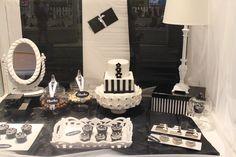 Escaparate 'mesa dulce en blanco y negro' de Sugar House