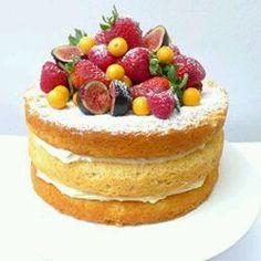 Сегодня хочу написать большой пост о детском празднике. Помню, как мучалась с выбором декораций, торта и всего всего, чему, по моему мнени...