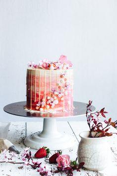 Strawberry and vanilla cake 7.jpg