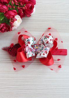 Kırmızı çiçek desenli fiyonklu kalp tül süslemeli saç bandı