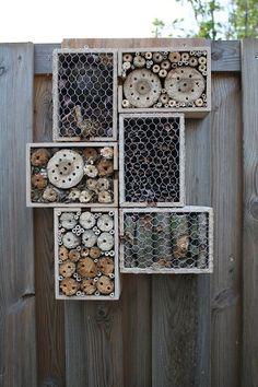 Das etwas anderes insektenhotel und viele andere ideen aus paletten paletten re use - Paletten gartenregal ...