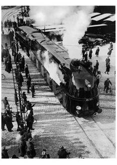 Maerz 1935 Die 05 001 verlaesst die Borsigwerke in Berlin-Tegel