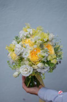 Yellow flowers wedding bouquet/ Buchet mireasa flori galbene trandafiri Pastel, Table Decorations, Home Decor, Cake, Decoration Home, Room Decor, Home Interior Design, Crayon Art, Dinner Table Decorations