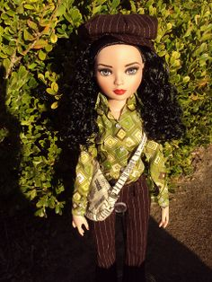 one of my Ellowyne dolls redressed in a Daisy and Willow outfit