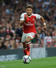Alex Oxlade-Chamberlain of Arsenal during the Premier League match between Arsenal and Swansea City at Emirates Stadium on October 15, 2016 in London, England.