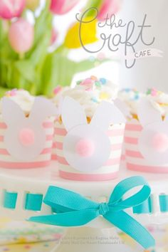 Perfect Easter Crafts for cool easter candy How To Make Bunny Butt Easter Baskets - Click through for instructions @hearthandmadeuk