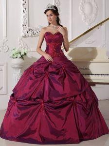 Beautiful Burgundy Quinceanera Dress Sweetheart Taffeta Appilques Ball Gown