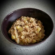 The best part of the training - carb load before the Saturdays ride: 35g oatmeal, 190g apple, 10g sunflower seeds, 10g walnuts, 20g raisins, chianti seeds & cinnamon. 450kcal.