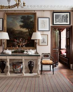 To restore a feeling of equilibrium to his Queen Anne house in Herefordshire, interior decorator @edward_bulmer remodelled the layout,…