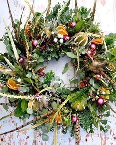 Deck the halls Christmas Door Wreaths, Christmas Flowers, Natural Christmas, Autumn Wreaths, Holiday Wreaths, Christmas Decorations, Merry Little Christmas, All Things Christmas, Christmas Crafts