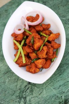 Chicken Pakora Recipe is an amazing chicken fritters made using boneless chicken and chickpea flour/besan. These chicken pakora are a delight as tea snacks. Best Indian Chicken Recipe, Indian Chicken Dishes, Indian Food Recipes, Ethnic Recipes, Indian Snacks, Indian Dishes, Crispy Chicken, Tandoori Chicken, Boneless Chicken
