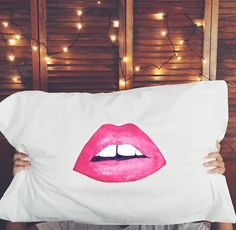 betches // Beauty sleep has never been this chic. Our famous Lips pillow cases back in stock only at shopbetches.com  #shopbetches