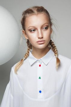 LĀU offers an innovative and recognizable style, explaining the personality that wears it: versatile, sophisticated, dynamic. An emerging brand, entirely made in Italy, conceived by the eclectic and visionary designer Lisa Anderlini, winner last February of the Ramponi Prize. You can buy here > https://ob-fashion.com/store/online/designer/lau/ #obfashion #moda #brandemergenti #talentiemergenti #madeinitaly #newtalents #trends #fashion #newbrand #newdesigner #style #shopping