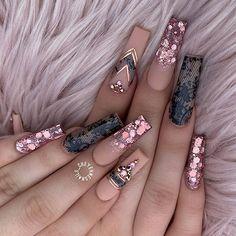 Gold Acrylic Nails, Summer Acrylic Nails, Gold Nails, Fabulous Nails, Perfect Nails, Gorgeous Nails, Stylish Nails, Trendy Nails, Nails Design With Rhinestones